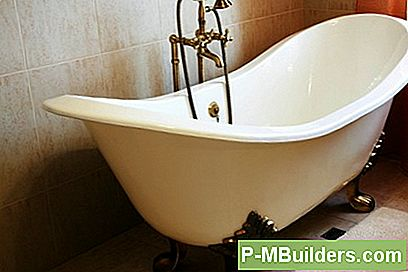 7 Clawfoot Tub Plumbing Tips