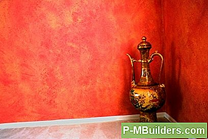 Bruk Paint For Easy Diy Wall Behandlinger