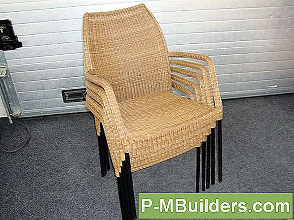 Hur Man Sköter Cedar Patio Furniture