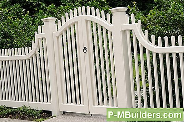 Installera En Vinyl Fence Gate I 6 Steg