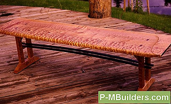Log Furniture: With Bark Vs. Barkless