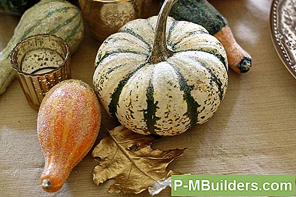 Making A Painted Gourd For Thanksgiving