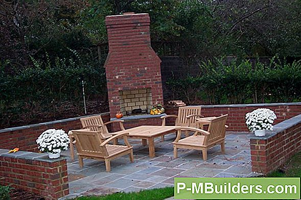 Een Brick Patio Fire Pit Bouwen: Mistakes To Avoid