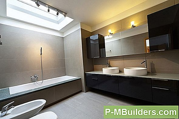 http://files.p-mbuilders.com/pic/upload/2009-dut-decorating-painting/choosing-best-bathroom-ceiling-fan.jpg