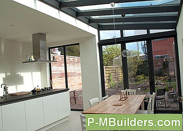 http://files.p-mbuilders.com/pic/upload/2009-dut-exterior-home-improvement/wood-interior-sunroom-conservatory-georgian-design.jpg