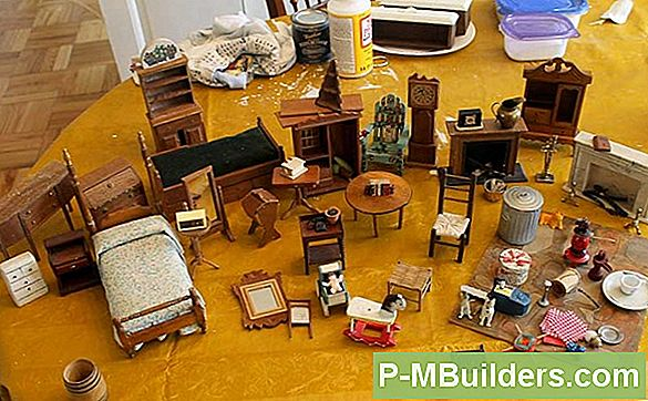 Scale Dollhouse Furniture