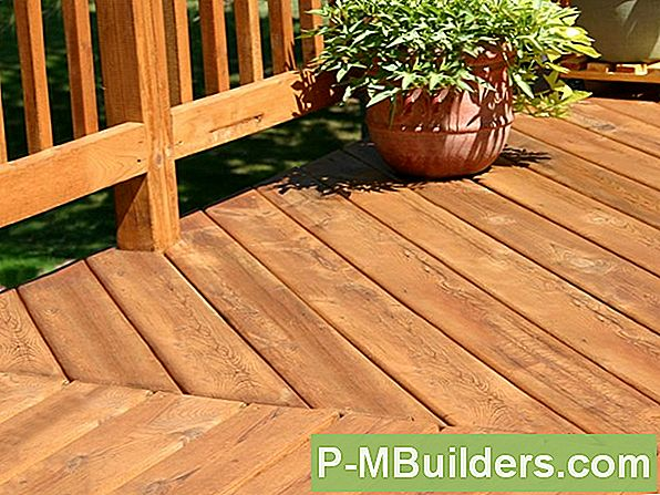 6 Cedar Decking Stain Tips