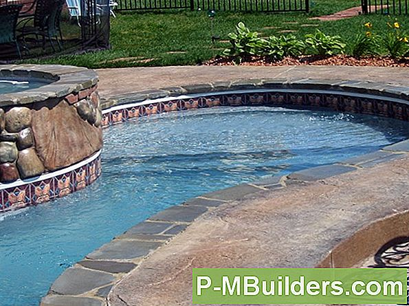 Gunite Pool Vs Vinyl Liner Pool