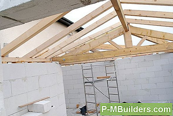 Schuppen Roof Framing Process Explained