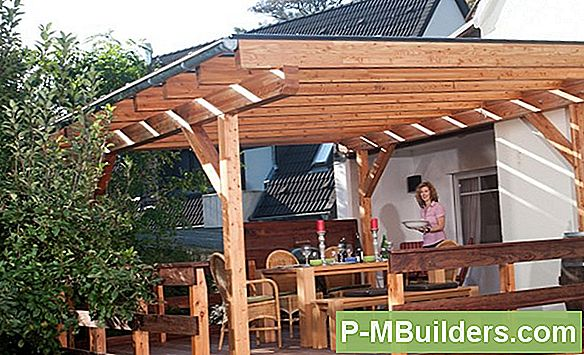 Wo Man Eine Outdoor-Pergola