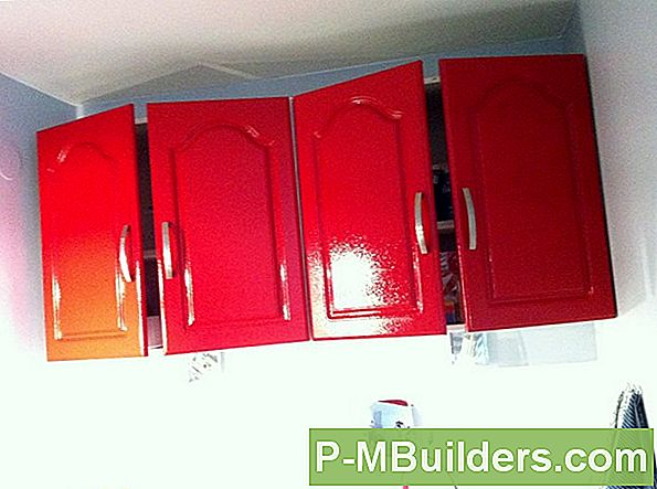 Hur Spray Paint Cabinet Doors