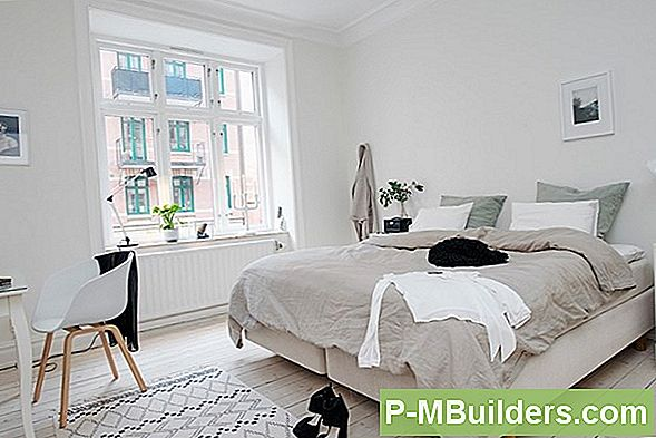 White Bedroom Decorating: Den Zen-Liknande Approach