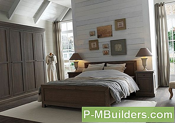 http://files.p-mbuilders.com/pic/upload/2011-dut-decorating-painting/bedroom-decorating-creating-an-undersea-room-for-boys.jpg