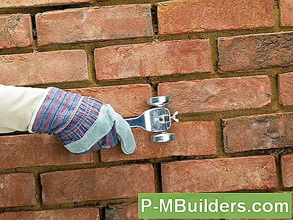 Repointing Bricks And Mortar Joints
