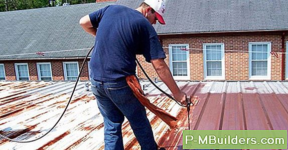 Metalen Dakshingles Vs. Wood Shingles