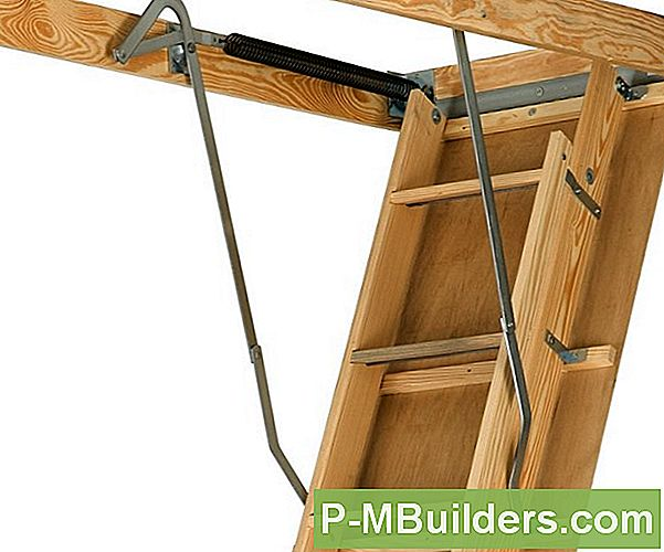 Werners Easy Access Attic Ladder 8 - Installieren Sie Die Ladder